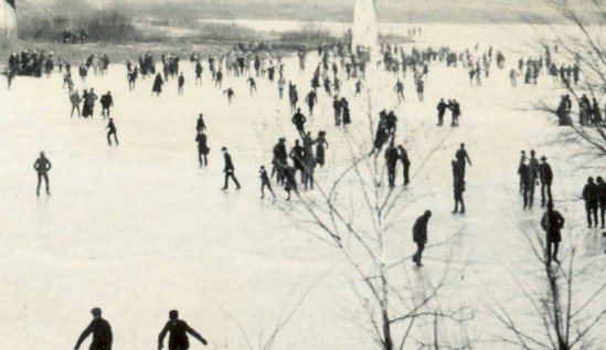 1901_Ice_Skating_on_Great_Miami_River