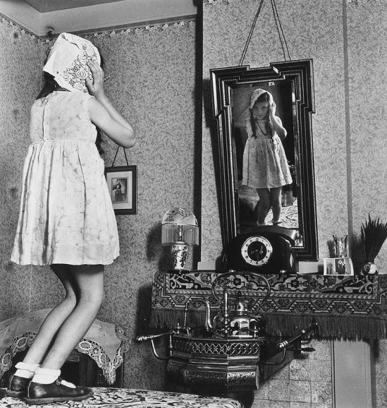 Eva-Besnyo_1939