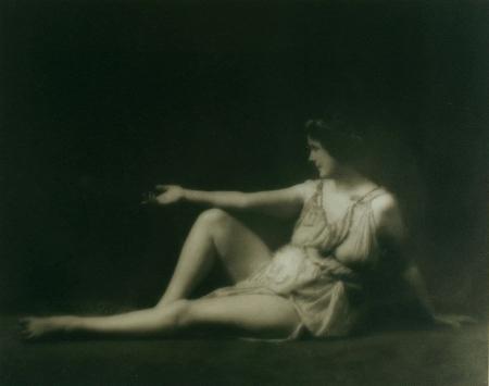 Isadora_Duncan_1