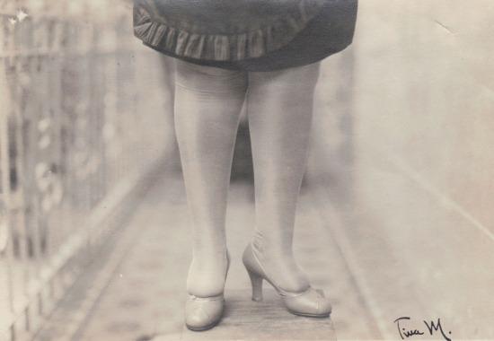 med_tina-modotti-las-piernas-jpg