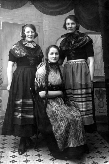 faroese_national_dress