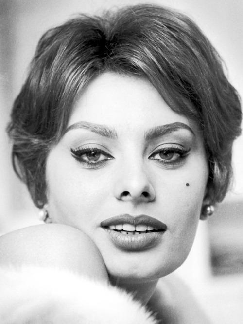 Sophia Loren 1 Apr 1959