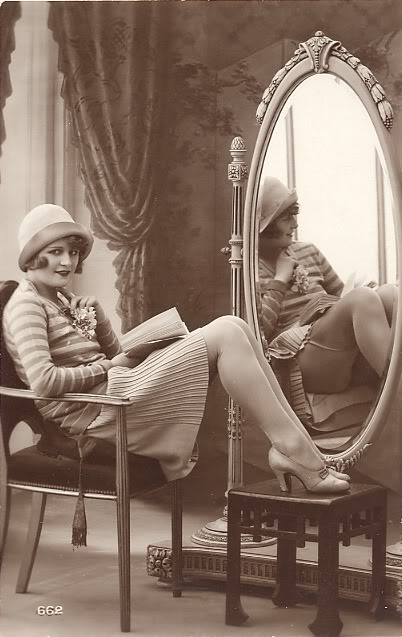 Vintage_Lady_and_Mirror_by_Lorivint
