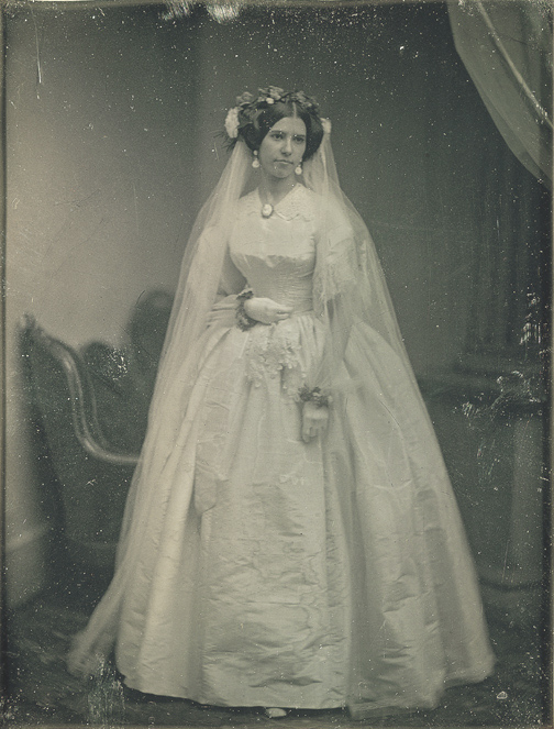 Victorian wedding dresses from the bygone for Victorian era wedding dresses