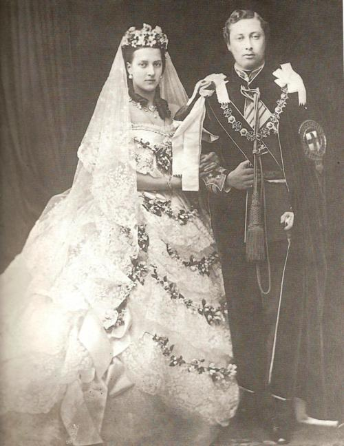 Victorian wedding dresses from the bygone princess alexandra 1863 junglespirit Image collections