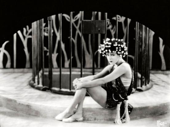 101093850_large_10_Alla_Nazimova_in_the_1923_movie_Salome