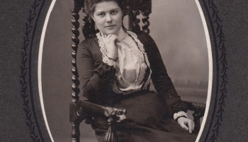 a4dd9c61310c3 A Collection of Photos Featuring Victorian Woman in the