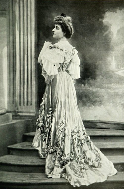 lm 1904 jan mlle marcelle lender bal doucet