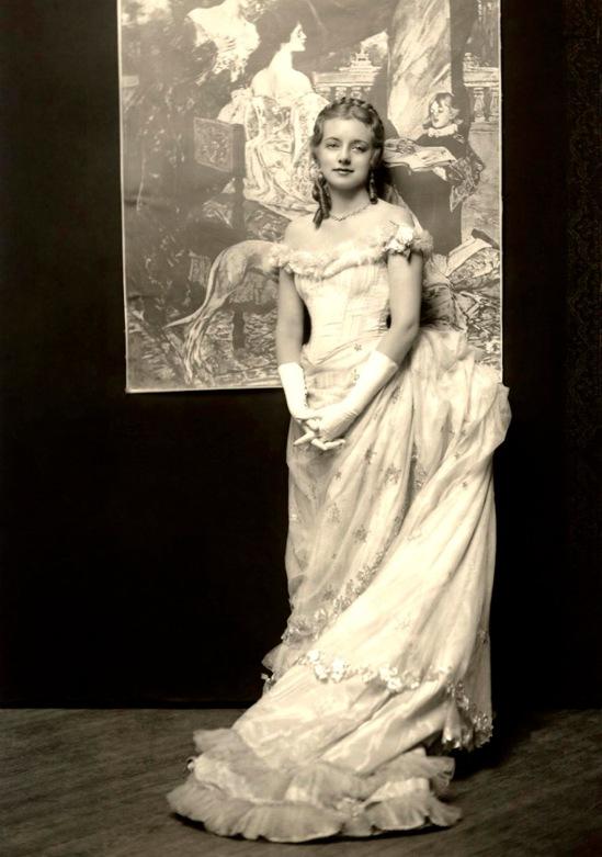 Evelyn Laye (aka Boo Laye) - c. 1915-1920s