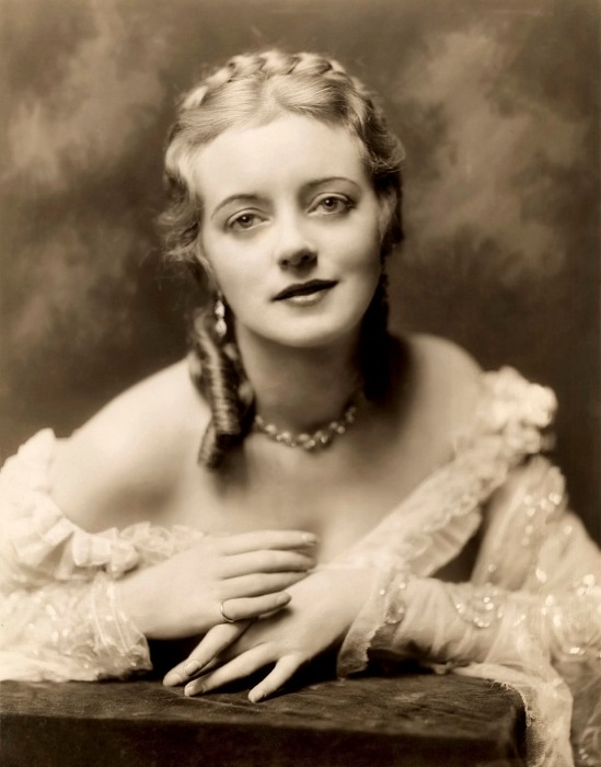 ziegfeld star - evelyn laye (aka boo laye) - by Alfred Cheney Johnston