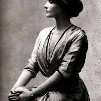 "Early 20th Century Photos of Iconic French Designer Gabrielle ""Coco"" Chanel"
