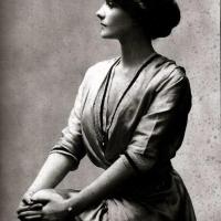 "Amazing Vintage Photos of Iconic Designer Gabrielle ""Coco"" Chanel"