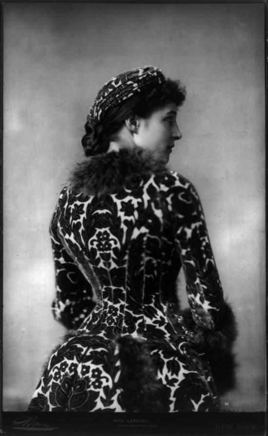 Lillie_Langtry_by_Napoleon_Sarony,_1882