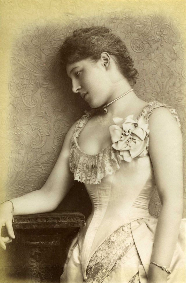 Actress And Socialite Lillie Langtry 1853 1929 Photos From The Bygone