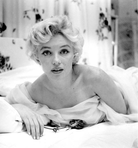 the-world-of-old-photography-cecil-beaton-marilyn-monroe-1956-1397245796_b.png