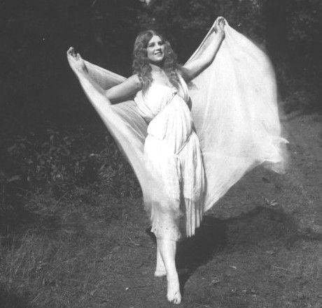 the-beautiful-silent-film-actress-valda-valkyrien