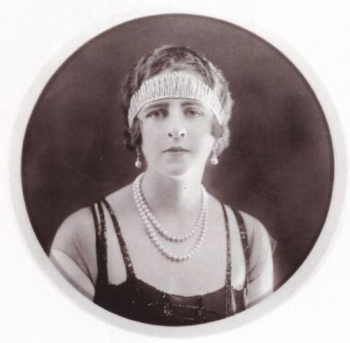 molly-fink-1920
