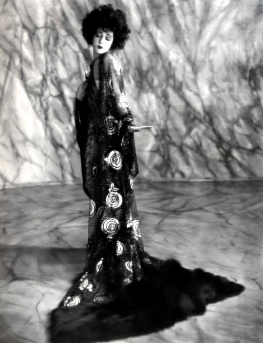 Nazimova, Alla (Camille - 1921)_01