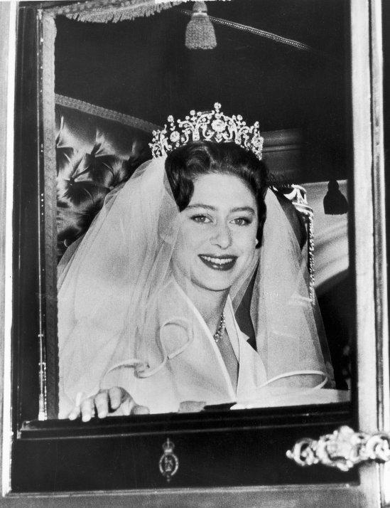 Princess-Margaret-Antony-Armstrong-Jones-Bride-Princess (1)