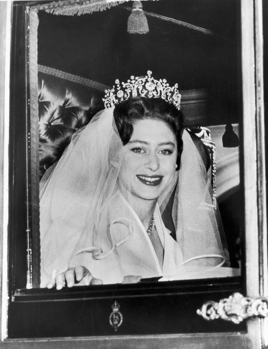 Princess-Margaret-Antony-Armstrong-Jones-Bride-Princess (1)