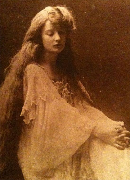 Eva_Palmer-Sikelianos