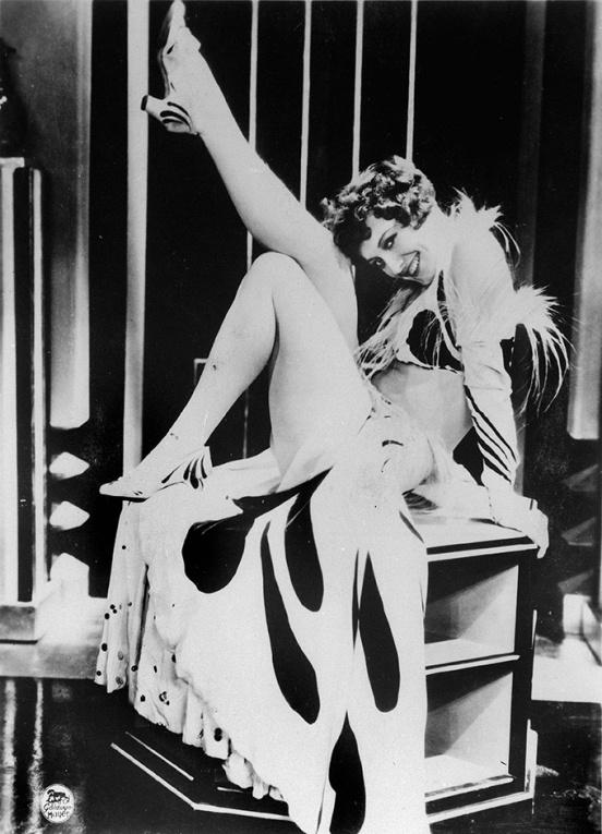 "Joan Crawford dans le film ""Our modern maiden"" (Jeunes filles modernes). RV-345263"