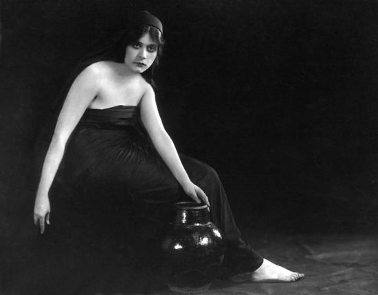 sin-theda-bara-1915-everett