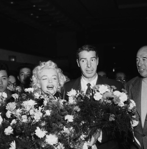 009-marilyn-monroe-and-joe-dimaggio-theredlist