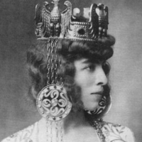 Marchesa Luisa Casati Wearing a Crown