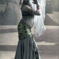 Parisian Postcards of Mata Hari by Lucien Waléry (1906)