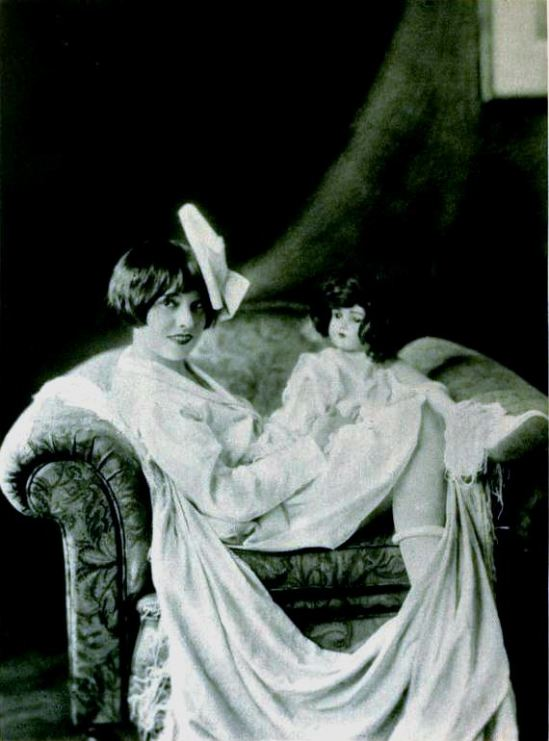 Anita_Loos_-_Apr_1922_Photoplay