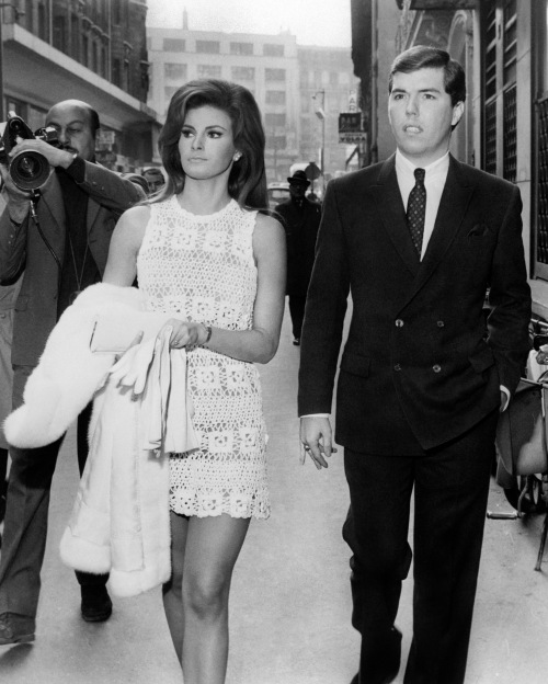 PARIS, FRANCE: US actress Raquel Welch and her new-wed husband US producer Patrick Curtis take a walk in Paris' streets 14 February 1967. They have married the same day at the City Hall of Paris 8th district. (Photo credit should read AFP/AFP/Getty Images)