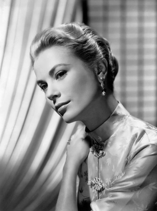 American actress Grace (Patricia) Kelly, later Princess Grace of Monaco (1929 - 1982).