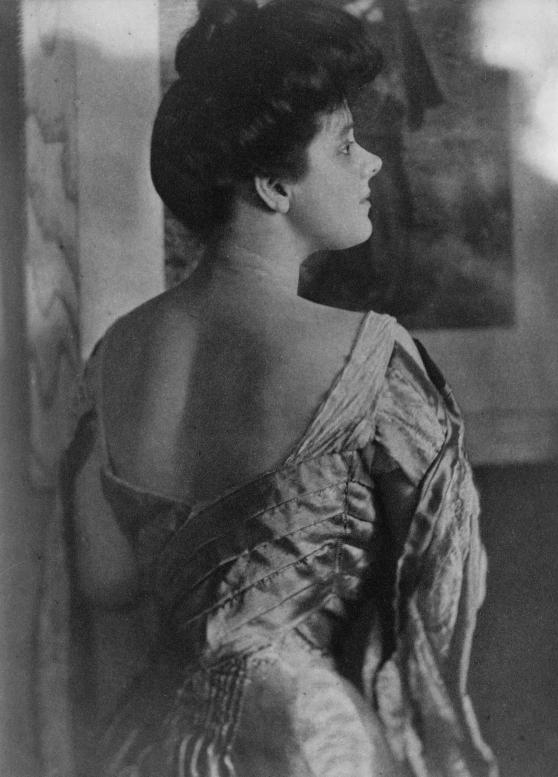 Rita_de_Acosta_Lydig_by_Gertrude_Käsebier_1905