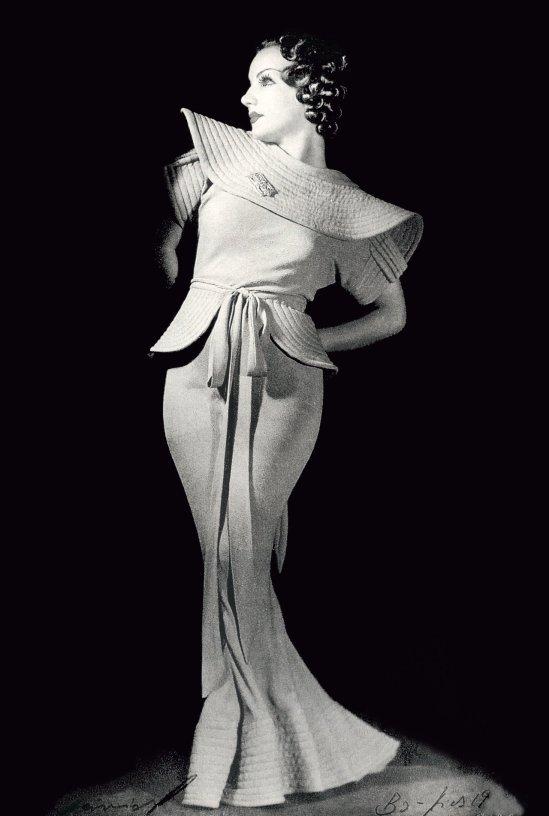 ANNEMARIE HEINRICH - Carmen Miranda