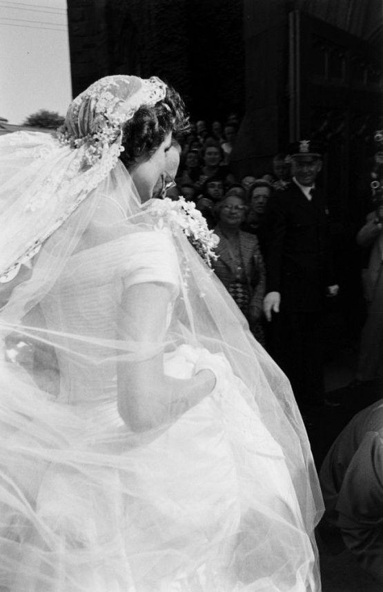 Wedding Of Jackie Bouvier John F Kennedy By Lisa Larsen 1953