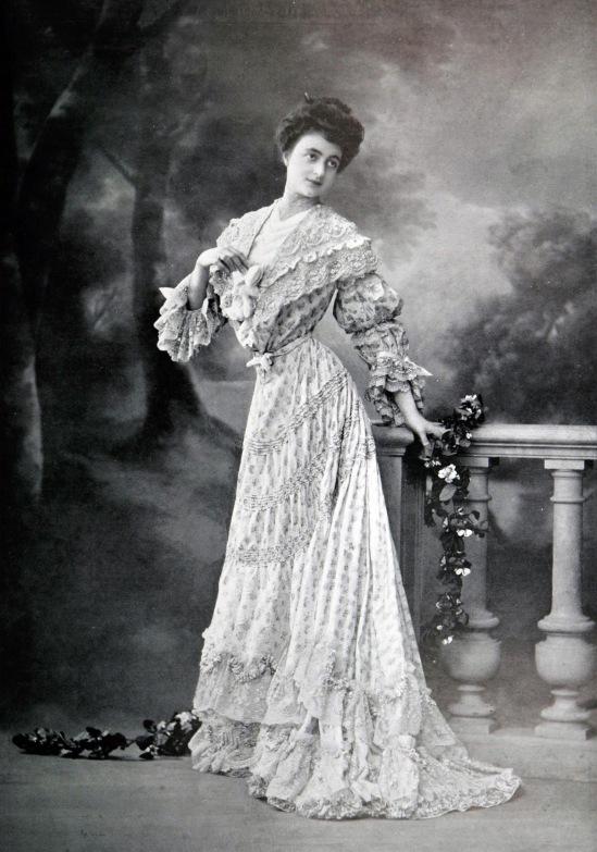 robe_dapres-midi_par_redfern_1904_cropped