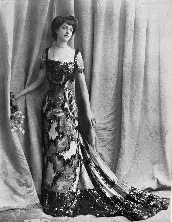 robe_de_bal_par_redfern_1902_cropped
