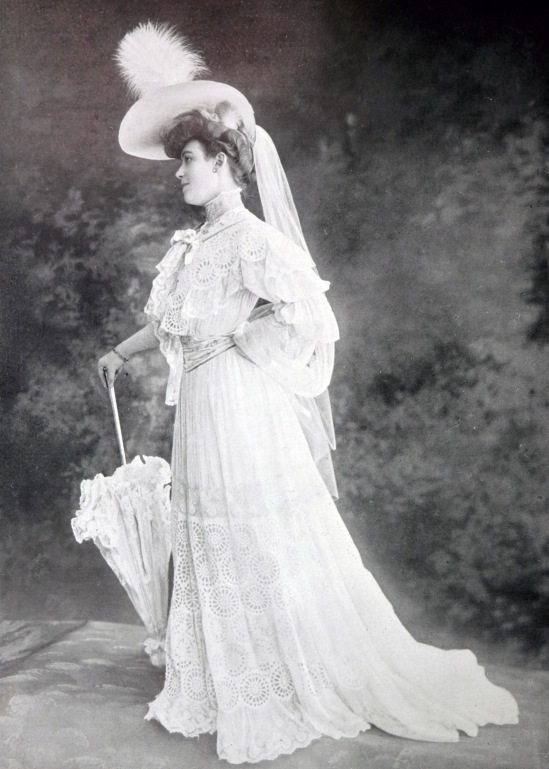 robe_de_garden-party_par_redfern_1904_2_cropped