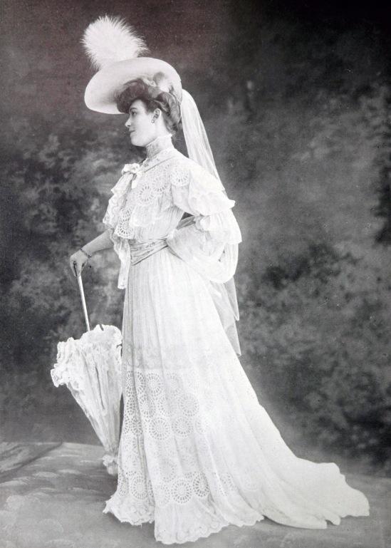 robe_de_garden-party_par_redfern_1904_2_cropped