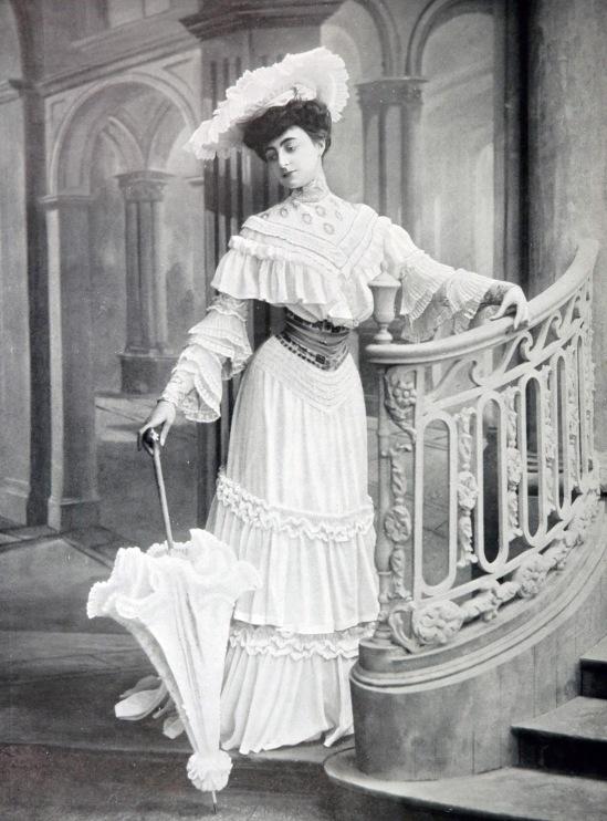 robe_de_garden-party_par_redfern_1904_cropped