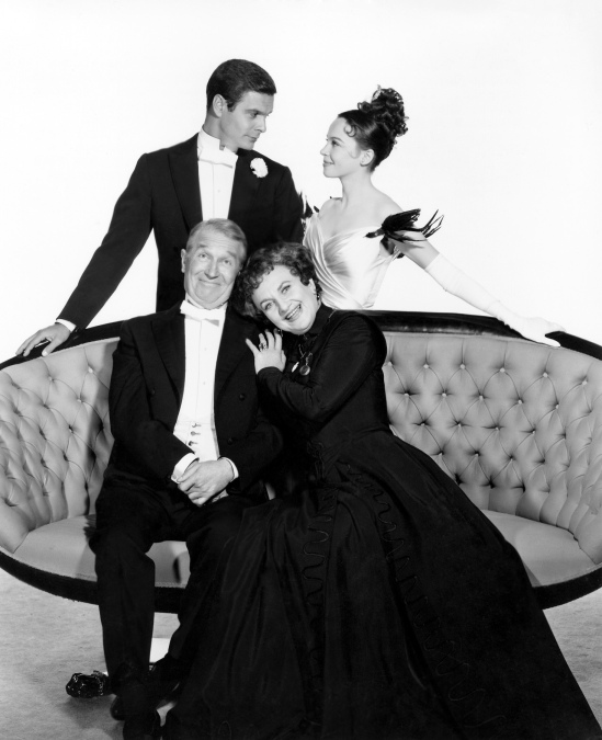 louis jourdan, leslie caron, hermoine gingold & maurice chevalier - gigi 1958