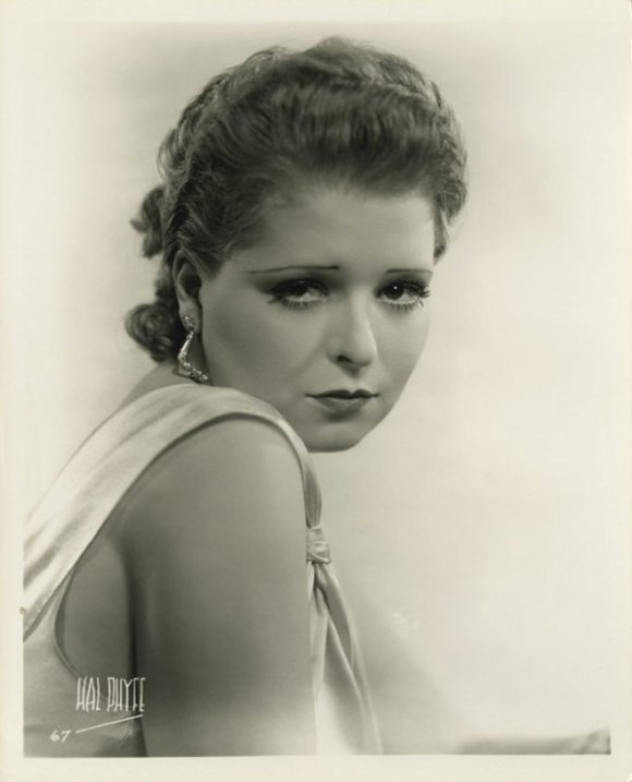096-clara-bow-theredlist