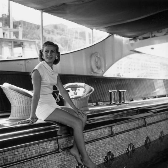 giant_unframed_3140076_Tina_Onassis1_1022x1024_l