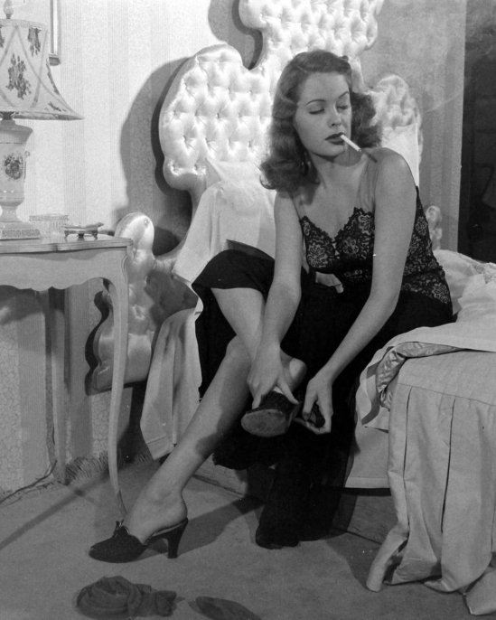 Jane Greer in Out of the Past 1947 (5)