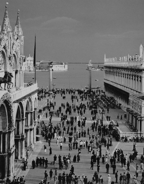 ITALY. The st Marco square in Venice. 1939.A-IT-VEN-016A