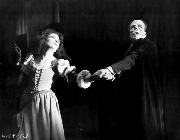002-the-phantom-of-the-opera