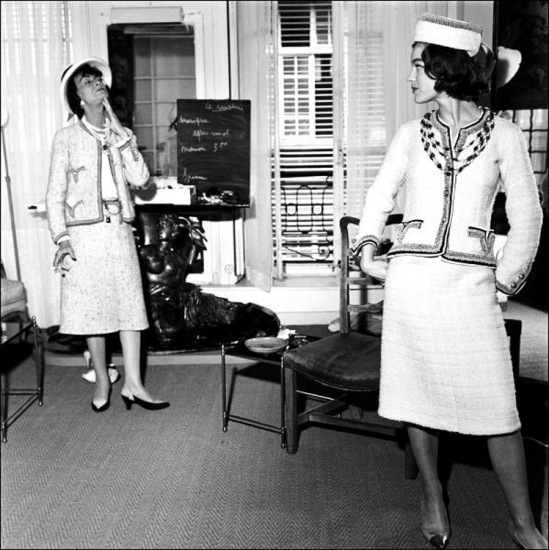 00/00/1960. Coco Chanel and Romy Schneider.