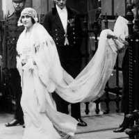 Royal Bride Lady Elizabeth Bowes-Lyon Leaving For Westminster Abbey (1923)