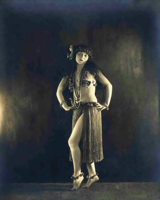 Ziegfeld Star - Gilda Gray - by James Abbe
